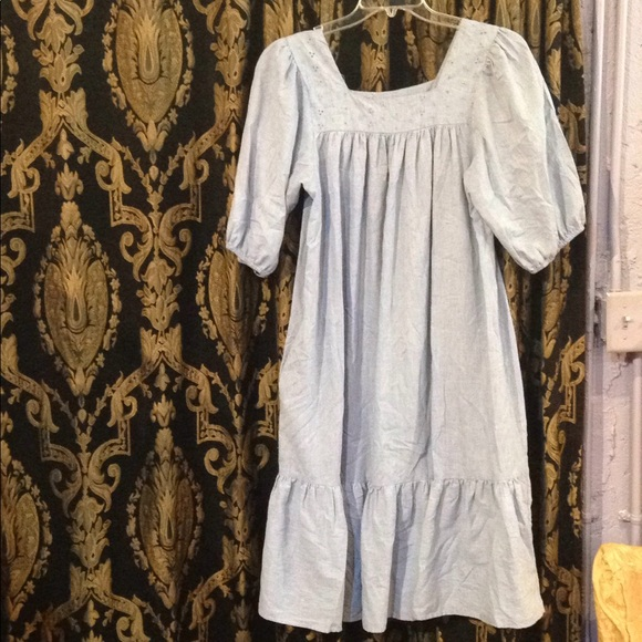 Dresses & Skirts - Vintage Chambray Peasant Dress